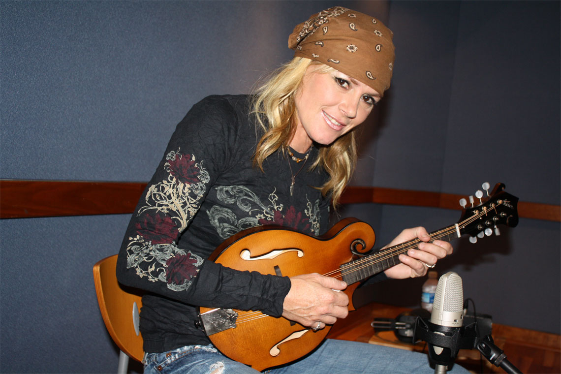 Anita-Cochran-with-guitar